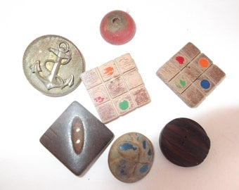 Vintage 7 assorted old wooden buttons
