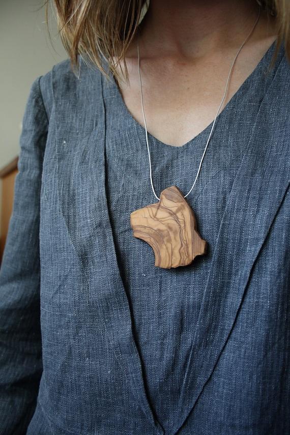 Olive wood slice necklace