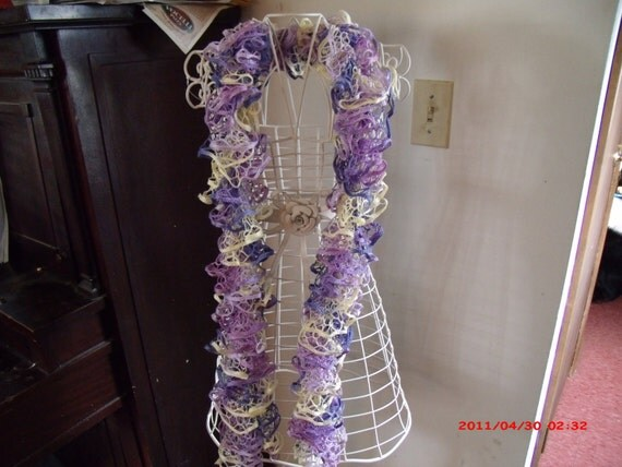Boa type scarf knitted with a new acrylic yarn