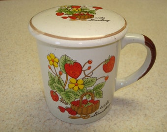 Wild Strawberry Cup with Lid