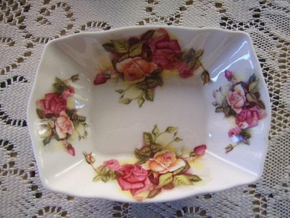 Vintage Royal Chelsea Golden Rose Soap /Trinket Dish ENGLAND