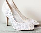 Vintage Crochet White Heels - Size 7.5