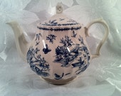 Country Lake Teapot