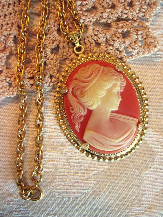 Vintage Victorian Lady Cameo Necklace