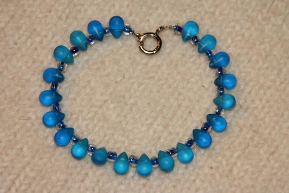 Blue Glass Teardrop Bracelet