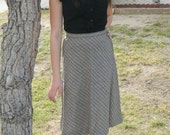 SALE 1950s Hounds-tooth classic high-waisted skirt.
