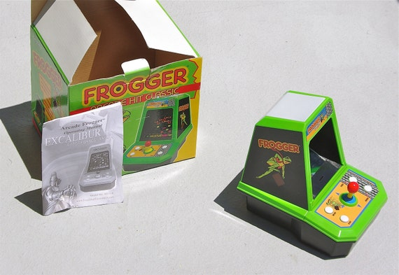 Frogger Table Top Arcade Game with Box and Manual Vintage 1981 (RARE)