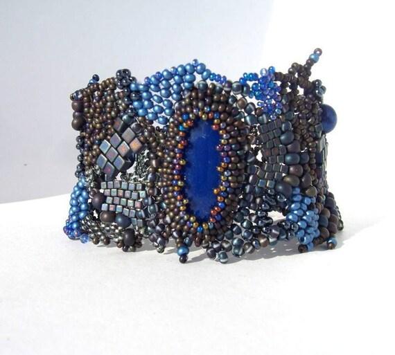 Beaded jewelry. Freeform peyote beaded cuff bracelet, with blue, gray colors OOAK