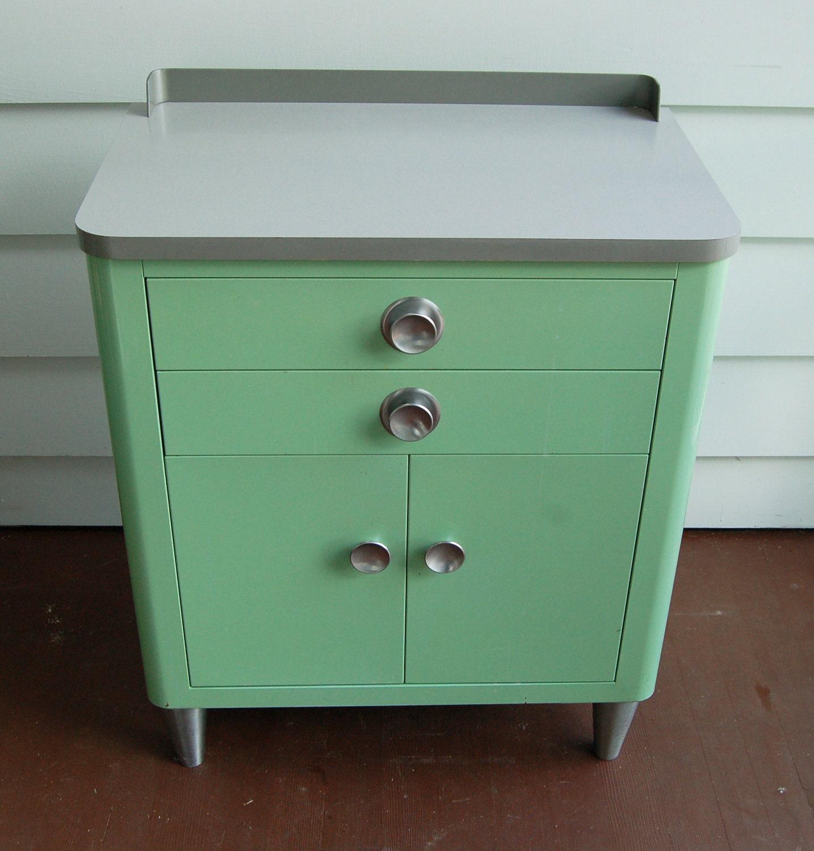 Vintage Metal Cabinet : vintage hamilton medical cabinet by urbandustrial on etsy ~ Vivirlamusica.com Haus und Dekorationen