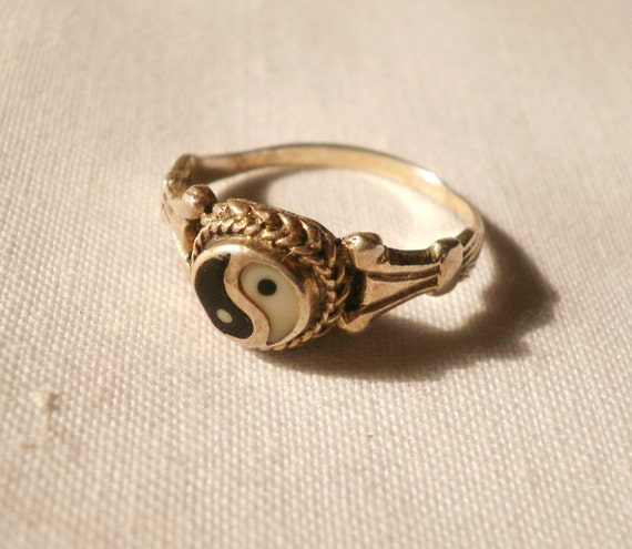 Vintage Sterling Silver Yin Yang Ring