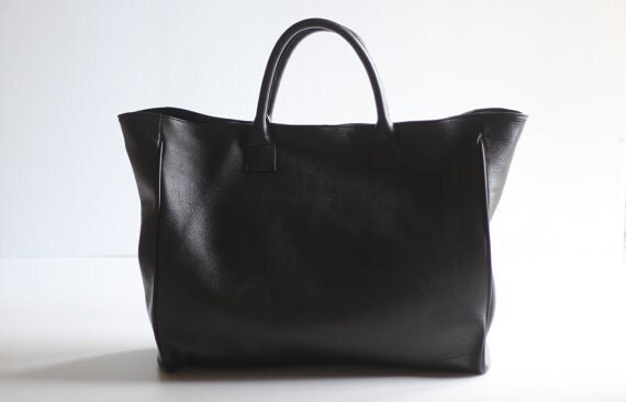 RESERVED for Janemhutchison- Avenue Oversize Leather Tote in Black