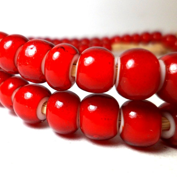 White Heart Beads Red Trade Beads Large 8mm (20)