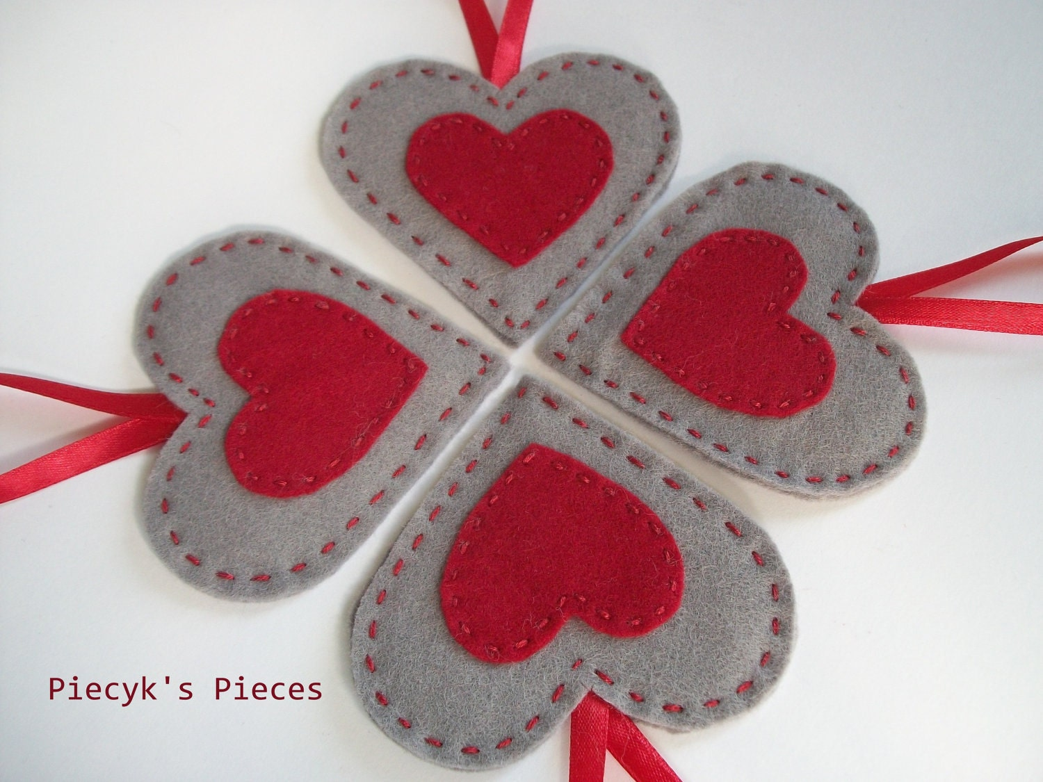 Felt hearts felt ornaments home decor love by piecykspieces for Hearts decorations home