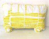 Handprinted Pillow Organic Cotton Autobus Yellow/White