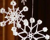6 rustic Christmas lacy snowflakes, crochet decoration ornament, vintage lace crochet christmas snowflakes, white crocheted snowflakes set