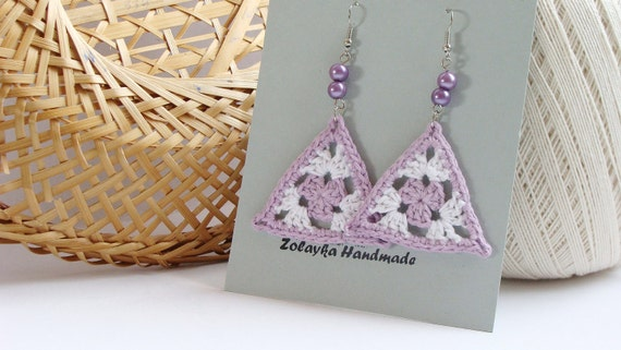Lilac and white crochet triangle earrings, granny, pale purple - crochet accessories