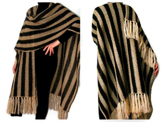 brown poncho,shawl,warm,soft,new trend,fashion accessories fall,spring,march trends,for her,tricot fabric,tassel,gift idea,line strip