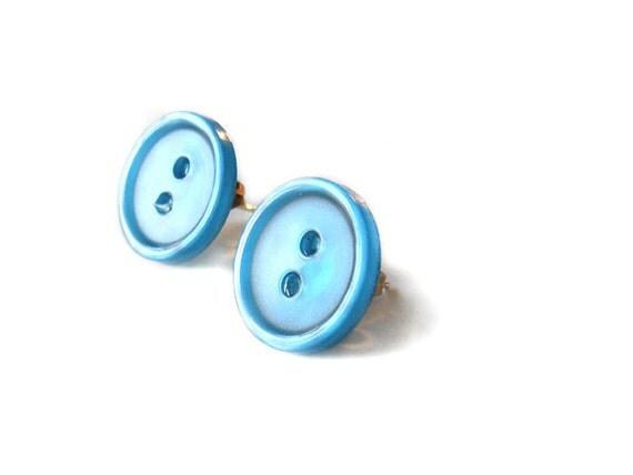 blue bird - vintage button earrings