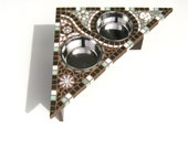 Bloomin Mosaic Diner, medium dog feeder, corner dog feeder, bloomin original version