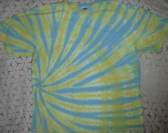 Tie dye 2X shirt Pastel swirl of baby blue and lemon yellow