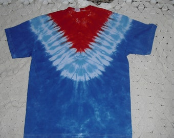 Tiedye shirt  Adult Large V-track is ready to ship today.   JULY 4 Patriotic