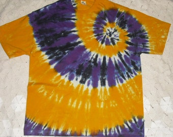 Tie dye XL Mega-spiraled in gold and purple, with a twist of black