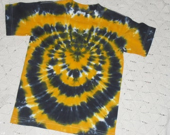 Tie dye youth small shirt- Gold and black spider