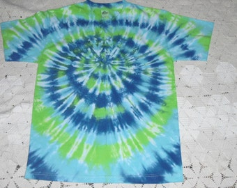 Tie dye adult medium shirt Spider in blues and greens, 300