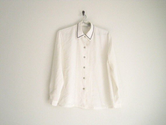 vintage white oxford shirt with pintuck pleats & floral collar