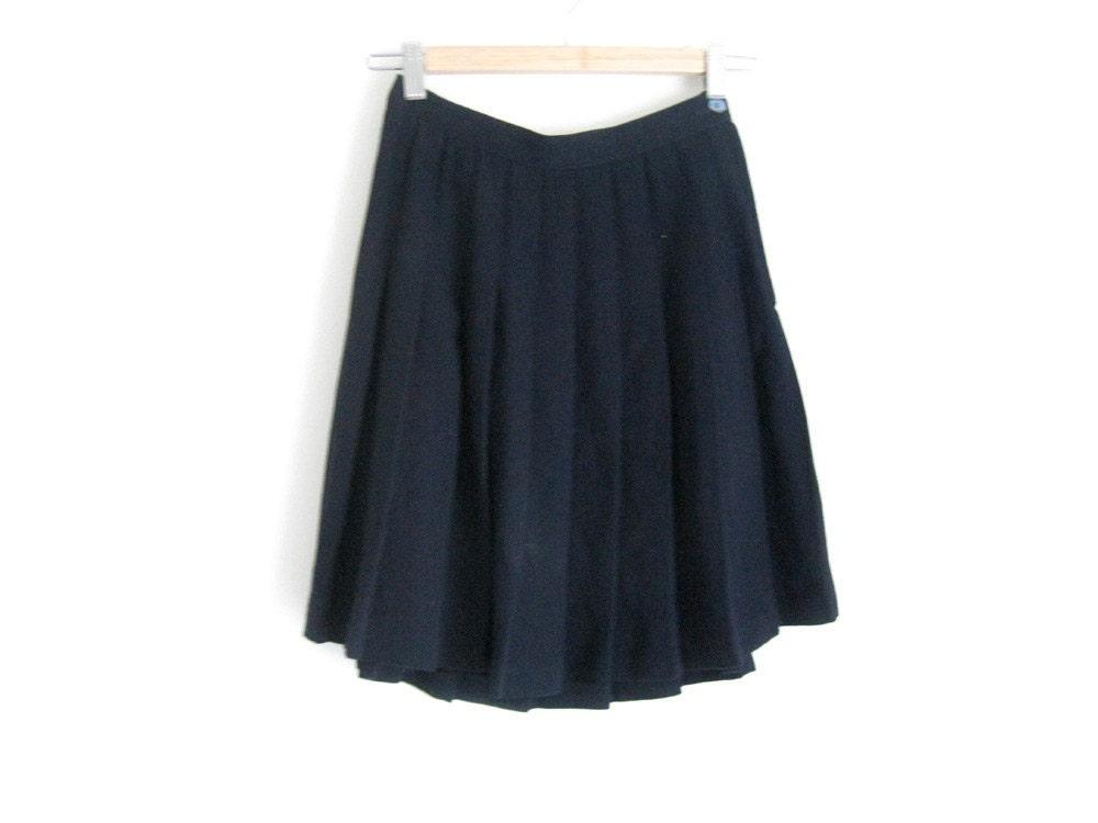 vintage pleated skirt navy blue school style
