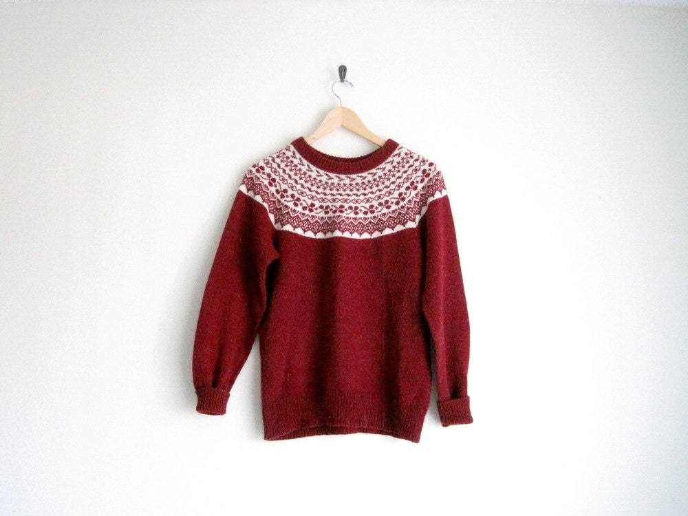 Knitting Patterns For Nordic Sweater : vintage red nordic sweater // scandinavian fair isle knitted