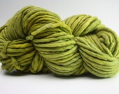 Single Ply sp Super Bulky Yarn  Hand dyed Merino 44sp12006 Peridot