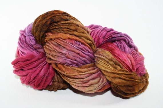 TTS Hand dyed Thick and Thin Slub Yarn Fine Merino Handspun 5541 Lisianthus