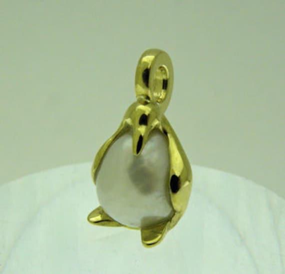 Penguin pendant gold