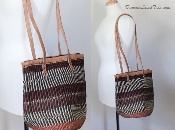 Market Bag / 1970s Ikat Tote / Straw Rafia Leather / Boho Hippie