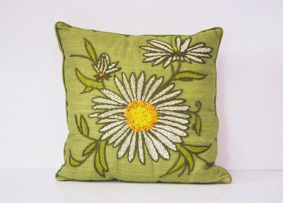 Crewel Embroidered Pillow - Daisy on Avocado Green