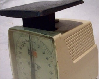 Vintage  kitchen Scale black and white weigh rustic country cottage chic cooking industrial metal store working functional