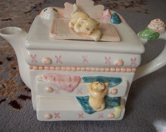 Teapot Vintage of Cats and Chest of drawers teapot teacup collectible