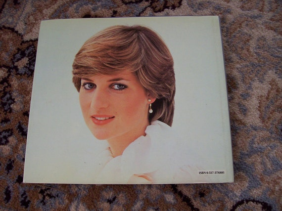Princess Di book: Charles and Diana /The  Prince and Princess of Wales hardcover book biography picture book