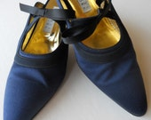 Vintage Silk Shoes Barneys Couture Low Heels Made in Italy circa 1980's 9 1/2 B