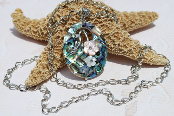 Abalone Pendant Necklace~Mother of Pearl~Peacock Colors~Beach