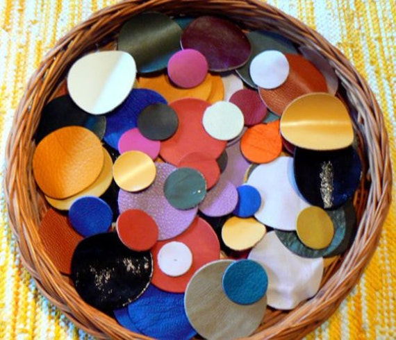 Leather Circles(25pcs)Genuine Leather/Applique/For Accessories,Flowers,Decorations,Jewelry,Bags... Mixture or a single colors