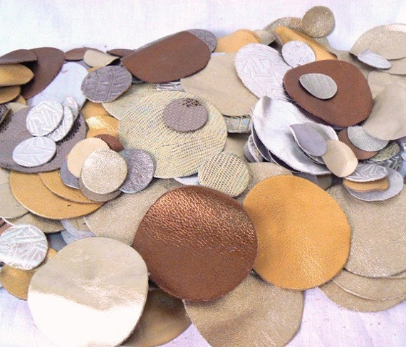 20 PIECES-Leather Circles.Genuine leather.For Flowers,Jewelry,Handbags,Accessories...Cristmas Decorations/Golden,Grey Metalic,Bronze...