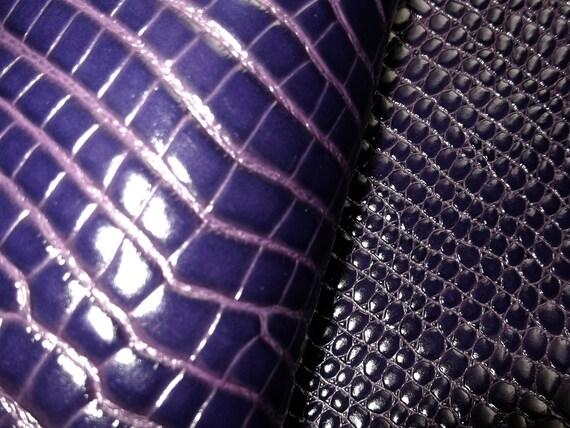 26'' x 32.5'' /Aligator Print. Leather /PURPLE
