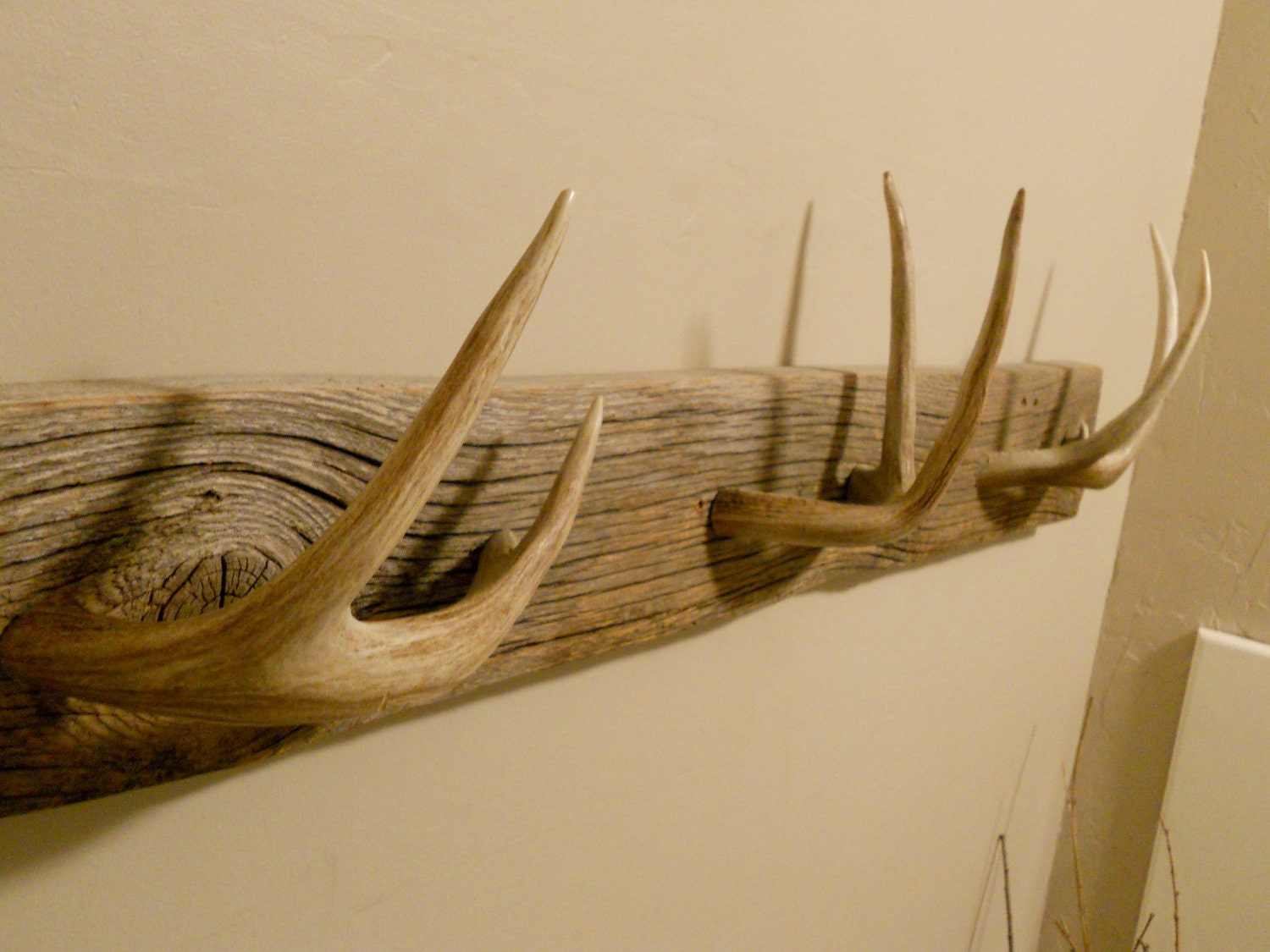homemade knife rack with Whitetail Deer Coat Or Towel Rack on Chip Carving Projects Wooden Plans Ornamental Woodwork Courses London additionally Wall Bookshelves in addition Diy Fishing Rod Holder together with Mag ic Wooden Knife Rack besides Kapoosh Knife Block Not Re mended.