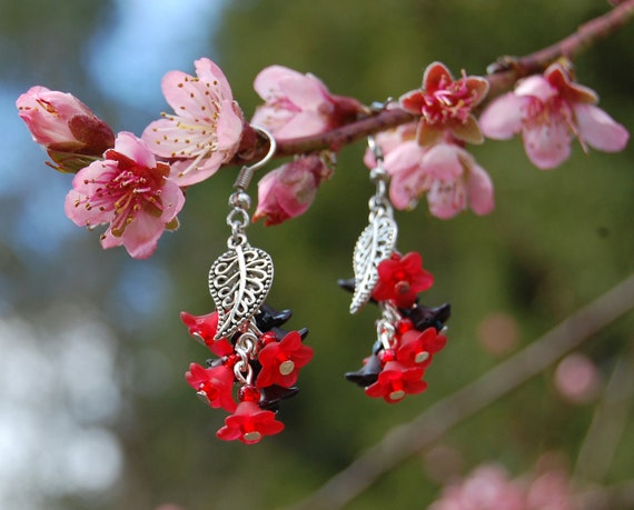Red and black flower earrings, witchy black and red earrings, gothic fairy jewelry, dark mori faery jewelry, vampire witch earrings dark elf