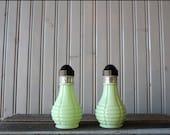 a n t i q u e mint green shakers