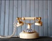 v i n t a g e french rotary telephone