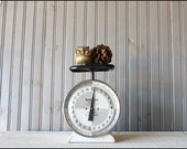 Hanson Utility Scale // Kitchen Decor