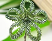 Hawaiian flower hair clip - silver lustered olivine - Lau